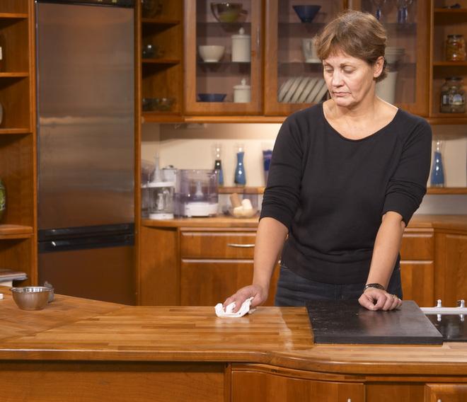 hvordan hvitolje eik spisebord