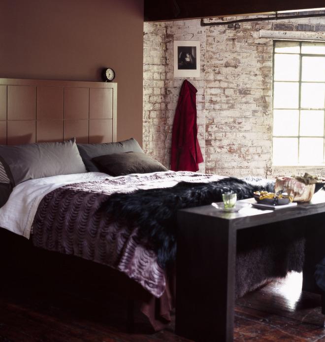 Rustfarger er flott i kombinasjon med rustikke detaljer. Dette rommet er innredet av Nordsjö.