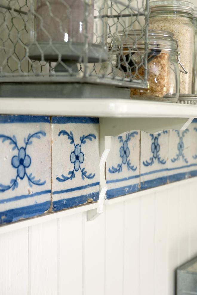Antikke fliser: Disse flisene er fra 1700-tallet, og Mari kjøpte dem på et bruktmarked i Lisboa.
