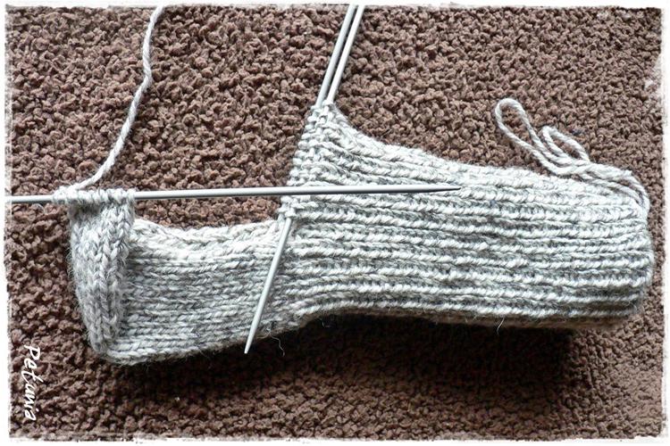 62a4118e Lær deg å strikke sokker på 1-2-3. Det er lett som en fjert!