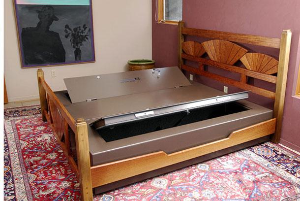 seng med innebygd tv