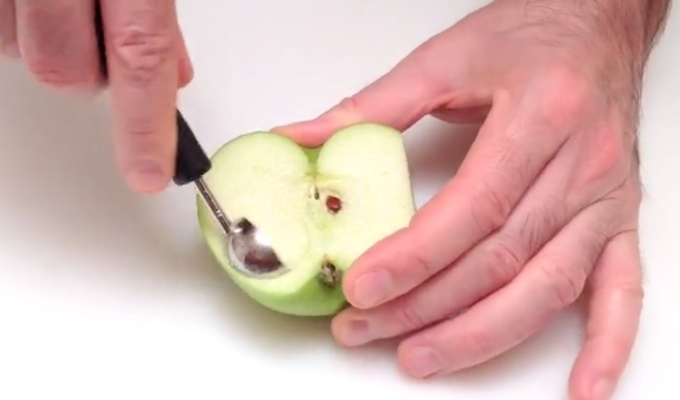 lage noe lekent av et eple